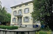 Hier wohnt kein Pfarrer mehr: Pfarrhaus an der Friedhofallee in Romanshorn. (Bild: Reto Martin)