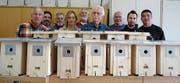 Stolze Präsentation nach getaner Arbeit: Mitglieder des Ornithologischen Vereins Buchs-Werdenberg. (Bild: Edith Altenburger)