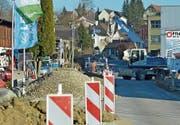 Die Weinfelderstrasse in Mauren ist aufgrund der Baustelle nur in Richtung Weinfelden befahrbar. (Bild: Mario Testa)