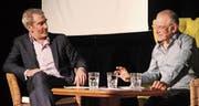 Haben für doppelte Lacher gesorgt: Die beiden Kabarettisten Manuel Stahlberger (links) und Joachim Rittmeyer. (Bild: Christof Lampart)