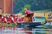 Drachenboot-Rennen: Im Trommeltakt 200 Meter gegen die Gegner. (Bild: pd)