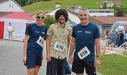 Nicole Widmer, Marco Gisler und Andreas Widmer (von links) gingen in der Kategorie Plauschstafette an den Start.