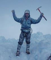 Marco Signer auf dem Gipfel des 6225 Meter hohen Chimborazo, höchster Berg Ecuadors. (Bild: PD)