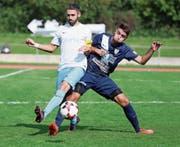 Die Arboner (dunkelblau) hielten gegen Calcio Kreuzlingen lange dagegen und entführten am Ende einen Punkt. (Bild: Mario Gaccioli)