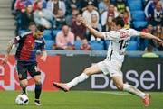 Basels Renato Steffen, hier gegen Milan Gajic, entscheidet das Spiel. (Bild: ky/Alexandra Wey)