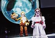 Miriam Maertens (vorne) als Seherin Jelinek und ihre Schauspielkolleginnen machen «Am Königsweg» zum starken Stück. (Bild: Tanja Dorendorf)
