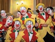 Die Mitglieder des Lenggenwiler Fasnachtskomitees sind unterwegs und werben für ihren Clownball. (Bild: PD)