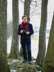 Friedrich Kappeler an einem seiner Lieblingsplätze: Zwischen Erlen am Hüttwilersee. (Bild: Peter Würmli)