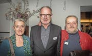 Buchhändlerin Edith Oertig, FDP-Nationalrat und Unternehmer Hermann Hess, Maler Willi Oertig. (Bild: Andrea Stalder (Andrea Stalder))