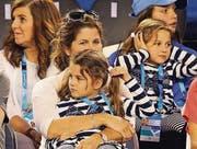Mirka Federer mit den Töchtern Myla und Charlene 2015 an den Australian Open in Melbourne. (Bild: ky/David Crosling)