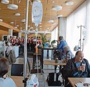Im Spital Herisau spielte gestern der Jodlerclub Alpeblueme auf. (Bild: ker)