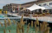 Bijou am See: Die neue Schiffsanlegestelle mit Restaurant am Romanshorner Hafen. (Bild: Reto Martin)