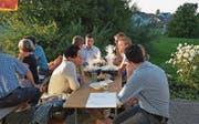 Die CVP-Mitglieder trafen sich zur Ursachenforschung im Clubhaus des FC Kirchberg. (Bild: Beat Lanzendorfer)