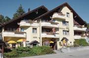 Das kleine Hotel Schönau liegt an der Hauptstrasse zwischen Wildhaus und Unterwasser. (Bild: Hanspeter Thurnherr)