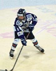 Valentin Senn, hier im Trikot der Pikes, hat jetzt internationale Erfahrung auf dem Eis vorzuweisen. (Bild: pd)