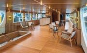 Auf dem Oberdeck des Eventschiffes hat es eine Bar/Lounge mit Aussenbereich. (Bild: Reto Martin)