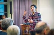 Saïda Keller-Messahli referiert im Vortragssaal der Kantonsbibliothek. (Bild: Andrea Stalder)