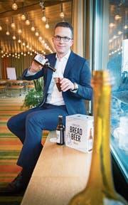 """Brotbier: Dominic Meyerhans von der """"Damn Good Food & Beverages AG"""" (Bild: Andrea Stalder)"""