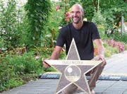 Nicola Gulli präsentiert seinen Stern. (Bild: Christian Müller)
