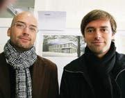 Ihr Projekt soll realisiert werden: Bruno Schneebeli und Sigi Stucky (zu begutachten im Hamel-Gebäude). (Bilder: Max Eichenberger)