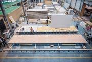 Die Firma Kifa in Aadorf produziert Modulboxen als Flüchtlingsunterkünfte. (Bild: Reto Martin)