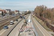 Anspruchsvolle Bauarbeiten: Die Baustelle auf der A1/A13 bei Rheineck, aufgenommen von der Zollbrücke nach Gaissau. (Bild: Astra)