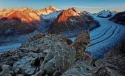 Dämmerung über dem Aletschgletscher. (Bild: pd)