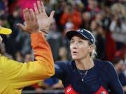 High five für einen eigenen Business-Plan: Kerri Walsh Jennings plant in den USA eine eigene Beachvolleyball-Tour (Bild: KEYSTONE/EPA EFE/MARIO RUIZ)