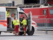 Im vergangenen Jahr sind im öffentlichen Verkehr 30 Personen getötet und 135 schwer verletzt worden. Beim Rangierunfall im Bahnhof Andermatt UR im September 2017 (Bild) gab es 30 Verletzte. (Bild: KEYSTONE/URS FLUEELER)