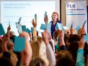 """Hat nicht damit gerechnet, dass so viele FDP-Frauen die """"Ehe für alle"""" unterstützen: Präsidentin Doris Fiala in Lausanne. (Bild: KEYSTONE/VALENTIN FLAURAUD)"""