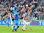 Kalidou Koulibaly traf mittels Kopfball zum Sieg Napolis bei Juventus (Bild: KEYSTONE/EPA ANSA/ALESSANDRO DI MARCO)