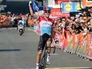 Bob Jungels freut sich über seinen Triumph in Lüttich (Bild: KEYSTONE/AP/FRANCOIS WALSCHAERTS)