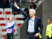 Bleibt mit Nice auf Europa-League-Kurs: Lucien Favre (Bild: KEYSTONE/EPA/SEBASTIEN NOGIER)