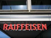 Pechsträne bei Raiffeisen: 114 Kunden haben falsche Kontoauszüge erhalten. (Bild: KEYSTONE/GAETAN BALLY)