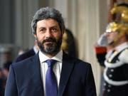 Roberto Fico, Präsident des italienischen Abgeordnetenhauses, soll bis Donnerstag die Möglichkeit eine Koalition aus seiner Fünf-Sterne-Bewegung und den Sozialdemokraten abklären. (Bild: KEYSTONE/EPA ANSA/ETTORE FERRARI)