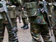 Der Fachstelle Extremismus der Armee sind im vergangenen Jahr vor allem Hinweise auf Rechtsextremismus gemeldet worden. (Symbolbild) (Bild: KEYSTONE/CHRISTIAN BEUTLER)