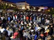 Der Protest der Migrantinnen und Migranten in Mytilini, die aufs griechische Festland wollen, dauert nun schon seit Tagen an. (Bild: KEYSTONE/EPA ANA-MPA/STR)