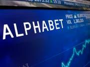 Die Muttergesellschaft von Google, Alphabet, kann für das erste Quartal eine enorme Gewinnsteigerung ausweisen. (Bild: KEYSTONE/AP/RICHARD DREW)