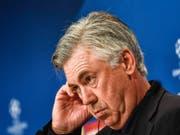 Carlo Ancelotti am Grübeln: Soll er Italiens Nationalcoach werden? (Bild: KEYSTONE/EPA/FILIP SINGER)