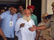 Ein Fall unter vielen: Guru Asaram Bapu wurde wegen Vergewaltigung einer Anhängerin verurteilt. (Bild: KEYSTONE/AP/SUNIL VERMA)