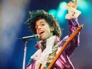 Weitere Klagen nach dem Tod von Prince: Die Familie zieht ein Spital und eine Apotheken-Kette vor Gericht. (Bild: KEYSTONE/AP/LIU HEUNG SHING)