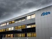 Für die Übernahme des irischen Pharma-Konzerns Shire liegt eine Offerte über 64 Milliarden Dollar des japanischen Unternehmens Takeda auf dem Tisch. (Symbolbild) (Bild: KEYSTONE/LAURENT GILLIERON)