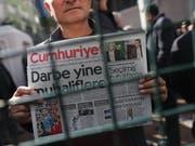 Pressefreiheit hinter Gittern - in der Türkei sind über 100 Journalisten im Gefängnis (Symbolbild). (Bild: KEYSTONE/EPA/SEDAT SUNA)