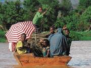 Es geht vorwärts. Äthiopier entdecken, dass sie mit regionalen Produkten Geld verdienen können. Das Bild zeigt eine Familie in der Nähe von Bahir Dar. (Bild: Dominik Buholzer)