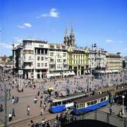 Der Jelacic-Platz ist der zentrale Platz in Kroatiens Hauptstadt und bedeutendster Treffpunkt der Zagreberinnen und Zagreber. Unter der Uhr verabredet man sich. (Bild: Zagreb Tourist Board/Juraj Kopac)