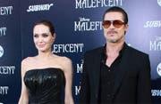 Angelina Jolie und ihr Noch-Ehemann Brad Pitt. (Bild: Bang Showbiz Entertainment)