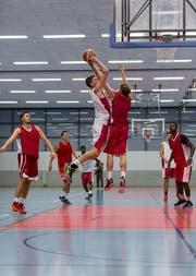 Die Spieler von Swiss Central Basket im Einsatz. (Bild: PD)
