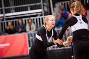 Die Zentralschweizerinnen Esther Rohrer (links) und Sabine Bachmann warten noch auf ihren ersten Sieg. (Bild: FIVB)