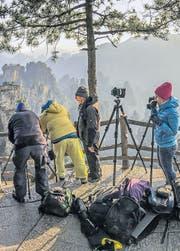 Landschaftsfotografie in China: Gigantische Schluchten und Berge bilden hier die Kulisse. (Bild: fotoreisen.ch)