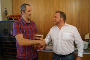 Der Alte und der Neue: Norbert Valis (links, Interimspräsident) übergibt sein Amt an Thomas Müller. (Bild: PD)